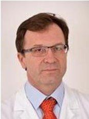 Dr Anadi Begic - Doctor at Porsgrunn Plastikkirurgi
