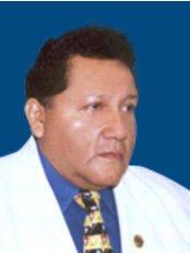 Dr Ruben Aquino -  at Corporación de Cirujanos Plásticos
