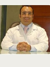 Doctor Roberto Valdivia - Av. El Polo 740, bloque C, oficina 304, Centro Comercial El Polo Santiago De Surco,, Lima,