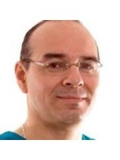 Dr Dante Guzman Garcia - Doctor at Dr. Luis Barrenechea