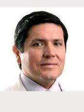 Dr. Luis Barrenechea - Av. Prolongacion Primavera 853, San Borja, Lima, 15037,