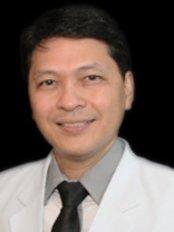Dr Eric Salcedo - Surgeon at Regenestem Manila