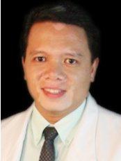 Dr Ray Allen Sinlao - Doctor at Regenestem Manila