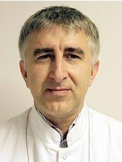 Dr Konrad Januszek - Surgeon at Lipoline Clinic