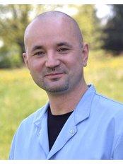 Dr Dariusz Cichostępski - Surgeon at Allmedica