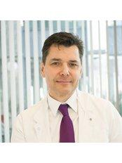 Dr Thomas Sroczynski - Doctor at Dr Osadowska Clinic Szczecin