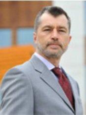 Medicover Hospital - Dr Maciej Kielar