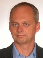 Dr Marcin Nowak - Surgeon at UNI KLINIK Plastic Surgery