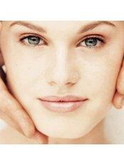 Operative Lidkorrektur - ABC Plastic Surgery in Europe - Magdalena Herman