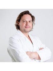 Dr Maciej Garbień - Doctor at ClinicForYou