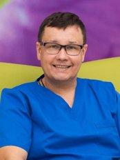 Dr Michał  Drozdowski - Dentist at ClinicForYou