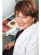Jolanta Makuszewska - ophthalmologist - Ophthalmologist at ClinicForYou