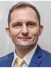 Dr KRZYSZTOF CIECHAN - Surgeon at CORAMED Beauty Surgery