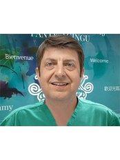 Dr Marek Pochwalowski - Doctor at CORAMED Beauty Surgery