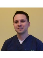 Dr Maciej Pawlicki - Surgeon at NawMedica