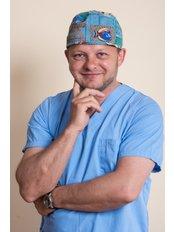 Dr. Peter Rataj - Leitender Chirurg - PolMed Travel