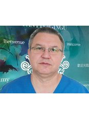Dr. Aandrzej Mayer - Chirurg - Surgery In Poland