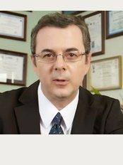 Dr. Luis Da Cruz - Hospital da Prelada, Rua Sarmento Beires 153, Porto, Portugal, 4200,