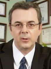 Dr. Luis Da Cruz - Hospital da Prelada, Rua Sarmento Beires 153, Porto, Portugal, 4200,  0