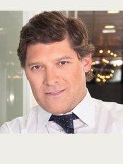 Dr. Mauricio Verbauvede - Rua de Júlio Dinis 228, Porto, 4050458,