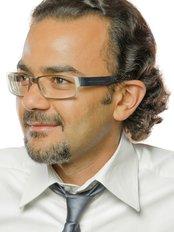 Dr Majed Eshki -  at Les Cliniques