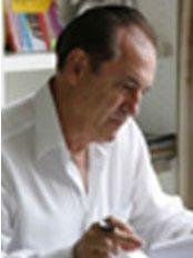 Dr Claude Chauchard -  at Les Cliniques