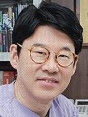 Доктор Dong-Man Park - Врач хирург в Bio Plastic Surgery