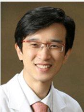 Jin Young Kim - Surgeon at Arumdaun Nara - Gangnam Branch