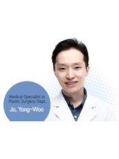 Dr Yong-Woo Jo - Surgeon at Dream Plastic Surgery