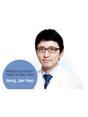 Dr Jae-Yeon Jeong - Surgeon at Dream Plastic Surgery