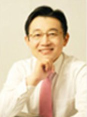 Mr Kwon Seong-il - Practice Director at IDEA Aesthetic Plastic Surgery Center