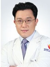 Top Class Plastic Surgery Clinic - Dr, Yong-hoon Jeon