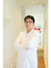 Dr EulJe Jo - Surgeon at Hershe Plastic Surgery Clinic