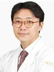 Dr Kim Dong gyu - Surgeon at Izien Plastic Surgery Clinic