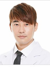 Dr Yongwon Shin - Surgeon at Jewelry Plastic Surgery Clinic