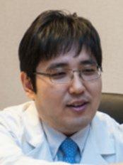 Leaders Clinic - 212 Dosan-daero, Gangnam-gu, Seoul,  0