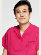 Well Plastic Surgery Clinic - 104 First Avenue Building 5 - 6F, Seoul, 135010,