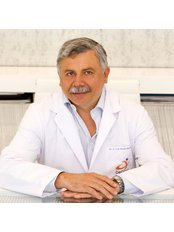 Dr Juan Luis Morán Montepeque - Surgeon at Clinical Medicine Decorps Aesthetic Plastic Surgery