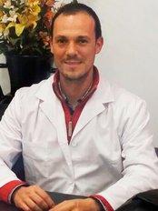 Dr Francisco José del Pino Laccourreye - Surgeon at Clinica Versalles