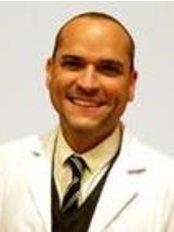 Dr Leo Cerrud -  at Dorsia Alicante - Av de Aguilera