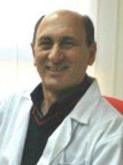 Dr. Jorge Esbry - Jorge Esbry