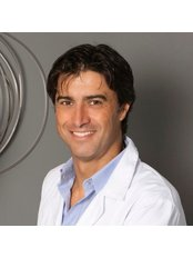 Dr Leopoldo Navarro Sempere - Surgeon at Santanay Navarro