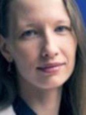 Dr Diana Pérez Sidelnikova - Doctor at Cànons - Cirurgia I Medicina Estètica