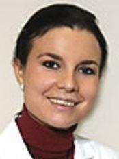 Dr Montse Folch - Doctor at Centro Médico Teknon - Cirugía Plástica y Estética
