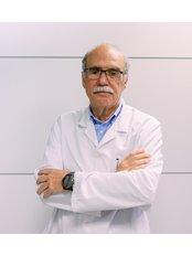 Dr Fernando Saenger - Doctor at Clínicas Opción Médica - Terrassa