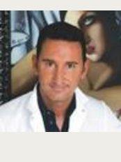 Doctor Oscar Junco - Passeig Manuel Girona 33, Barcelona, 08034,