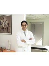 Dr. Gustavo Suárez Páez - Vallcarca 151, Office 6.05, Barcelona, Barcelona, 08023,  0