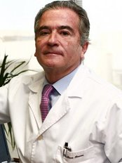 Institute of Aesthetic and Plastic Surgery Dr. Serra Renom - Plaza Alfonso Comin, 5-7, Barcelona, 08023,  0