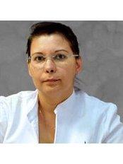 Dr Aimée de la Cruz Hernández - Doctor at Institute of Medicine and Cosmetic Surgery & Hernández Aran