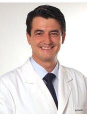 Medicina Estética Lago - Layret - Surgeon Dr. Juan Cruz-Gimeno
